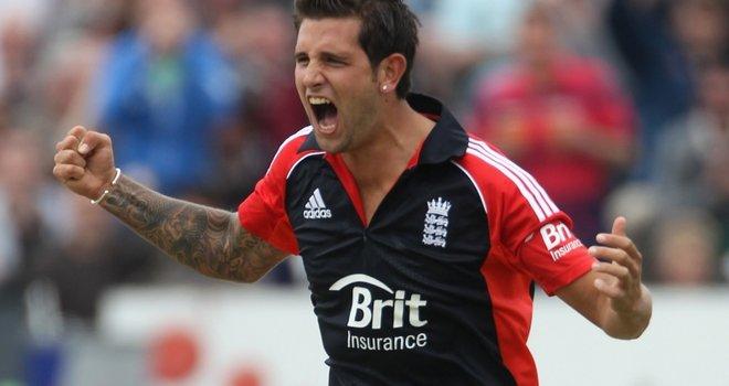 Jade-Dernbach-England-v-Sri-Lanka-T20I_2614093